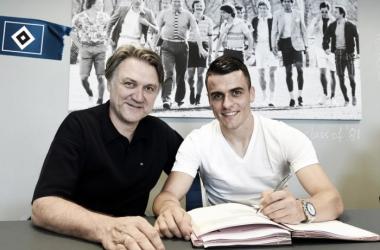 Hamburger SV complete signing of Filip Kostic (photo: Hamburger SV Twitter)