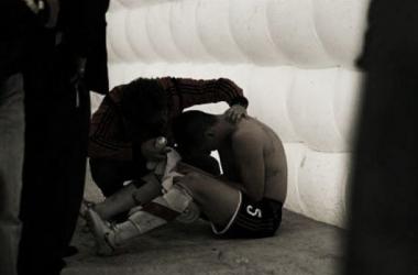 La agresión fue al salir por la manga para disputar el segundo tiempo (Foto: La Nación).