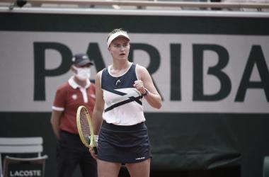 Ela venceu seu segundo torneio em simples na carreira, segundo consecutivo (Foto: Divulgação/Roland Garros)