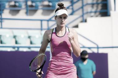 Veronika Kudermetova venceu Marta Kostyuk no WTA de Abu Dhabi 2021 (WTA / Divulgação)