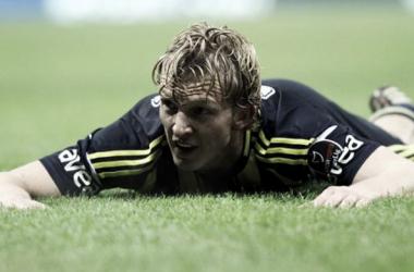 Kuyt descarta volta imediata ao Feyenoord durante rápida passagem por Rotterdam