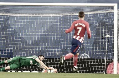 Oblak detiene un disparo de la Real    FOTO: Club Atlético de Madrid.