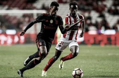 Benfica vai defrontar o Estoril (Foto: dn.pt)