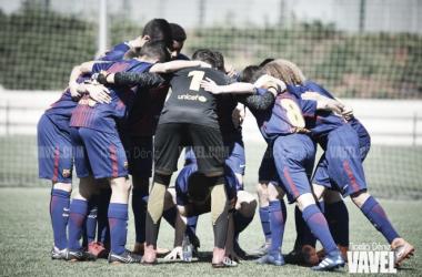 El FCB Cadete B ante de un partido esta temporada. Foto: Noelia Déniz, VAVEL