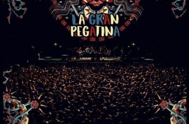 """""""LIVE 2016"""", el primer CD/DVD grabado en directo de La Gran Pegatina (Foto (sin efecto): Warner Music)"""