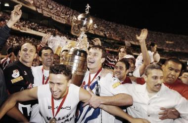 Recordar é viver: Em 2005, São Paulo goleava Atlético-PR para conquistar Libertadores