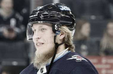 Patrik Laine uno de los RFA estrella que sigue sin firmar | Foto: NHLPA.com/Getty Images