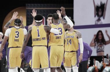 Com facilidade, Los Angeles Lakers vence Miami Heat e abre vantagem na NBA Finals