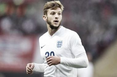 Lallana en un partido con Inglaterra. Fotografía: Express.uk