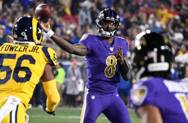 Ravens aplastan a Rams en Los Ángeles