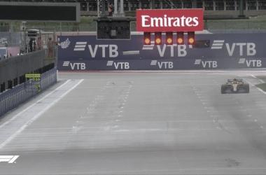 Lando Norris en la recta principal del Sochi Autodrom. (Fuente: Twitter @F1)