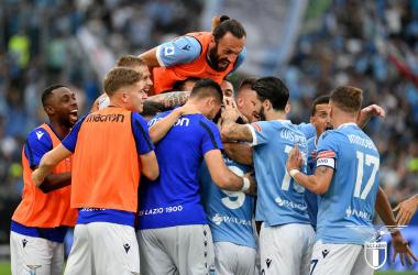 L'esultanza dei giocatori della Lazio. | Foto: Twitter @OfficialSSLazio.