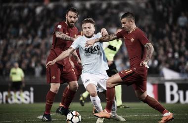 Eléctrico derby entre Lazio y Roma al que solo le faltó el gol