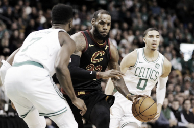 LeBron James contro i Celtics. Fonte: NBA/Twitter