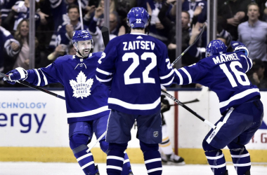 Toronto Maple Leafs celebrate a goal in Game 6 on their way to a key victory over Boston Bruins. (Photo: The Canadian Press/Frank Gunn)