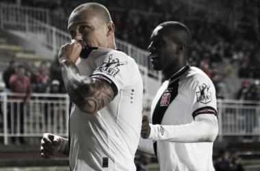 """Vasco bate Joinville com dois gols de Leandrão e atacante afirma: """"Fui premiado"""""""