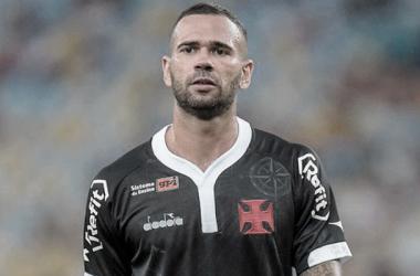Zagueiro do Vasco, Leandro Castán conta que recebe 60% do salário desde agosto de 2019