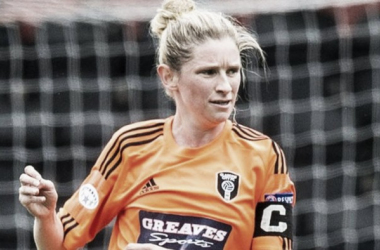 Will Glasgow City's captain Leanne Ross be lifting the SWPL 1 trophy? (Photo: BBC/SNS)