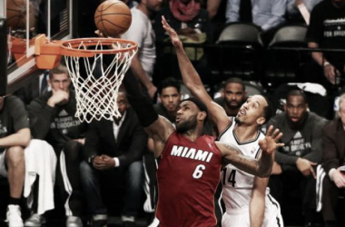LeBron arrasa a los Nets