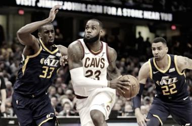 LeBron James alcanza los 60 triples-dobles en la NBA