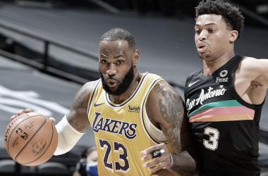 Melhores momentos: San Antonio Spurs 121x125 Los Angeles Lakers pela NBA
