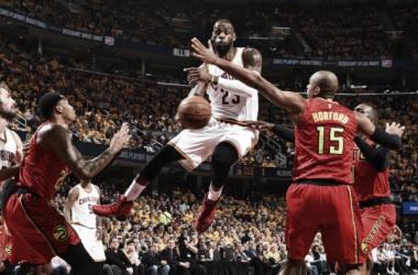 Cleveland quebra recorde histórico e vence Hawks com facilidade para abrir vantagem na série