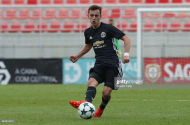 SEIXAL, PORTUGAL - OCTOBER 18: Manchester United FC midfielder Lee OConnor in action during the UEFA Youth League match between SL Benfica and Manchester United FC at Caixa Futebol Campus on October 18, 2017 in Seixal, Portugal. (Photo by Gualter Fatia/Getty Images)