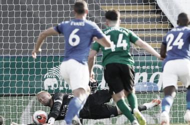 Em jogo polêmico, Leicester e Brighton empatam na abertura da rodada da Premier League
