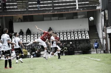 Leonardo Acosta convirtiendo el segundo gol del partido. Foto: Prensa San Martín
