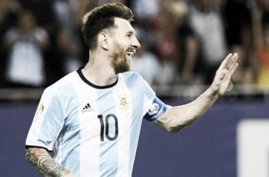 Copa America Centenario: Lionel Messi shines bright and helps Argentina defeat Panama 5-0