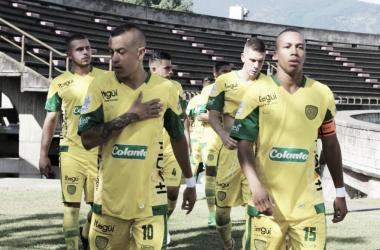 Caras largas en jugadores y asistentes tras el pitazo final | Foto: La Vitrina Deportiva