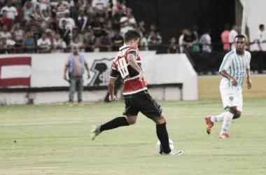 Santa Cruz vence Paysandu pelo placar mínimo e conquistaTrofeu Asa Branca