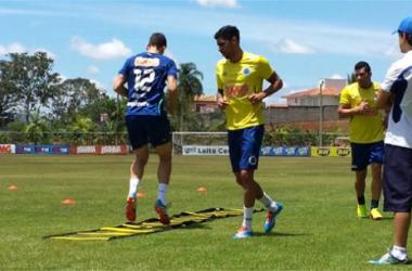 Lesionados treinam, mas ainda não começaram preparação física no Cruzeiro