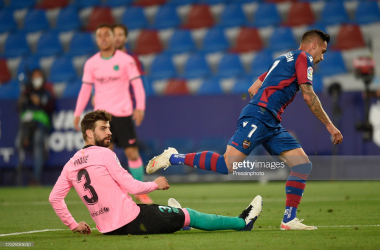Sergio Leon of of Levante UD scores his goal (3-3) during the La Liga match between Levante UD and FC Barcelona d played at Ciutat de Valencia Stadium on May 11, 2021 in Valencia, Spain. (Photo by Pressinphoto / Icon Sport)