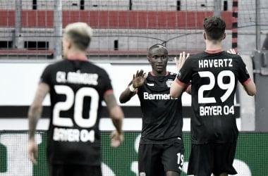 Com time misto, Leverkusen supera Rangers e segue na Europa League