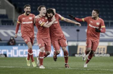 Sufrida victoria de Leverkusen en Bielefeld