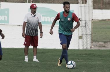 Interino, Levi Gomes elogia postura do Náutico após vitória contra Belo Jardim