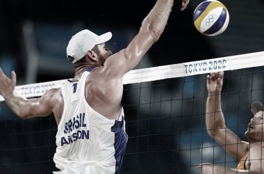 Melhores momentos Alison/Álvaro (BRA) x Gaxiola/Rubio (MEX) pelo vôlei de praia nas Olimpíadas (2-0)