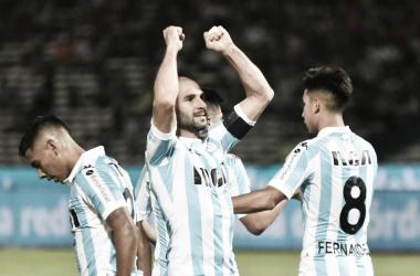 Lisandro López festejando el 2-0. Foto vía: Twitter @Locura_academica