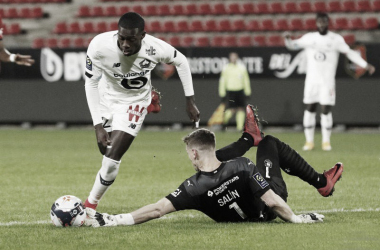 Lille vence Rennes fora de casa e segue na cola do PSG na Ligue 1