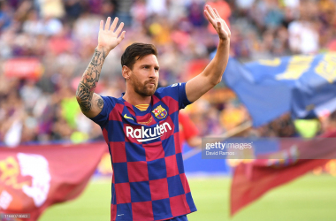 BARCELONA, SPAIN - AUGUST 04: Lionel Messi of FC Barcelona waves to the crowd prior to the Joan Gamper trophy friendly match at Nou Camp on August 04, 2019 in Barcelona, Spain. (Photo by David Ramos/Getty Images)