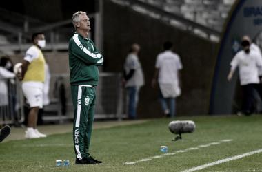 Lisca elogia primeiro tempo contra Cruzeiro, mas ainda vê capacidade de melhora do América-MG