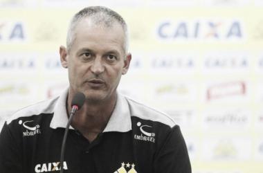 Treinador conquistou uma vitória, um empate e duas derrotas no comando do Tigre (Foto: Divulgação/Criciúma EC)