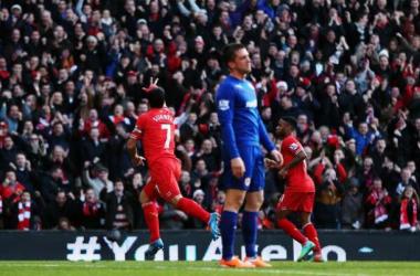 Suárez marca duas vezes e Liverpool vence o Cardiff City em casa