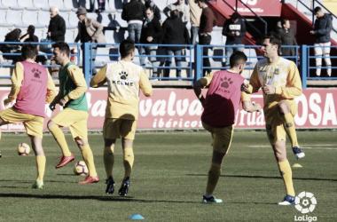 Calentamiento del Alcorcón en el partido frente al Extremadura | LaLiga 1|2|3