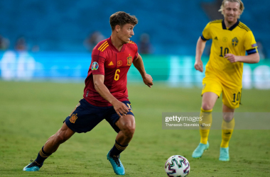 Marcos Llorente of Spain runs with the ball during the UEFA Euro 2020 Championship Group E match between Spain and Sweden at the La Cartuja Stadium on June 14, 2021 in Seville, Spain. (Photo by Thanassis Stavrakis - Pool/Getty Images)