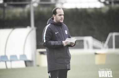 El entrenador azulgrana durante un entrenamiento / Foto: Noelia Déniz (VAVEL.com)