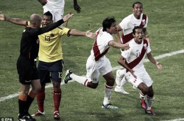 Perú venció a Colombia en Córdoba con goles de Lobatón y Vargas. (FOTO: goonerdaily.com)