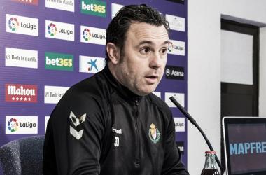 Sergio González compareciendo en rueda de prensa // Foto: Real Valladolid
