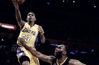 NBA - Utah corsara a Dallas in overtime, i Lakers tornano a vincere contro i Pacers